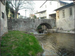 Opera di presa della micro-centrale sul fiume Rancina